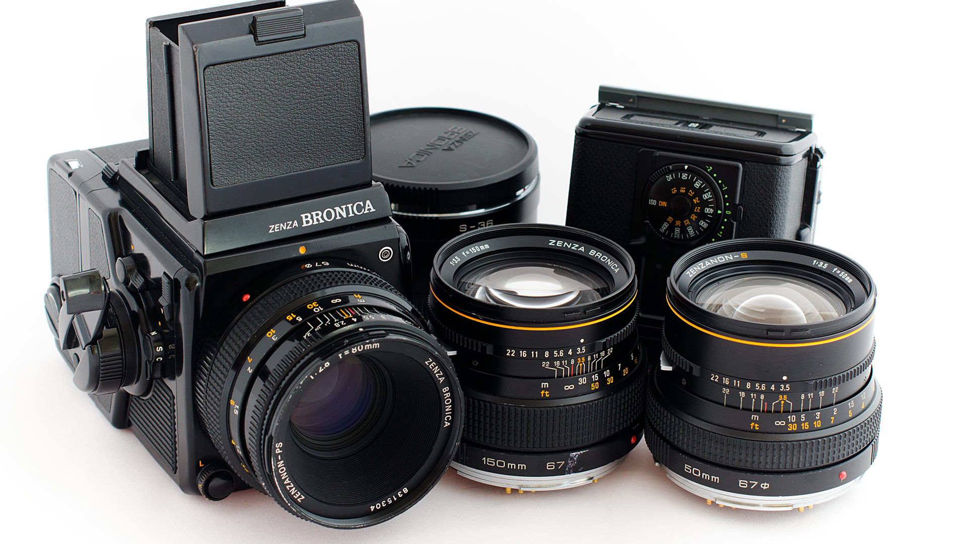005_DSC9168-zenza-BRONICA-6X6---80mm2,8---50mm3,5---150mm3,5-mezikrouºky-S36-náhr-film-kazeta